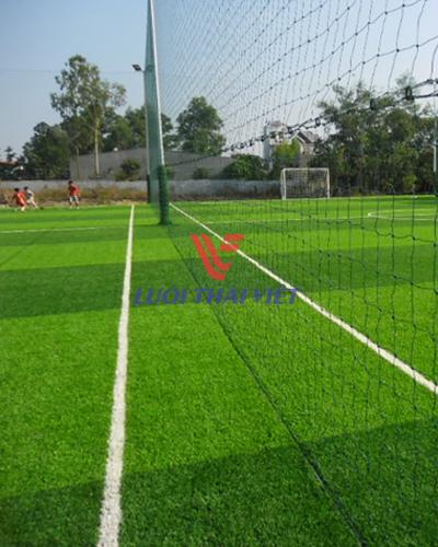 Lưới bao sân bóng đá